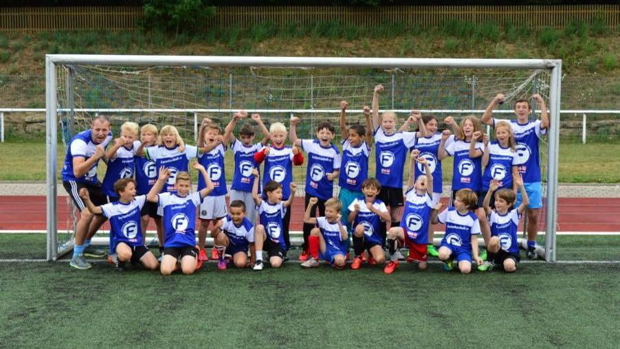 Junior Fussballcamp Gruppenfoto Radevormwald